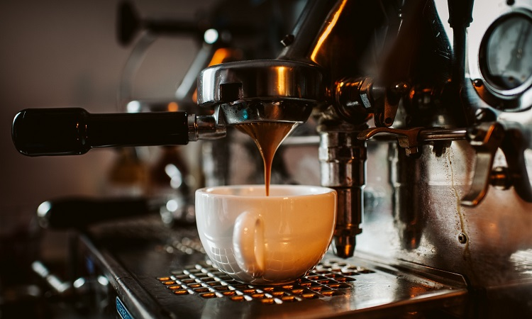 How To Use A Coffee Maker Easy Step-By-Step Guide