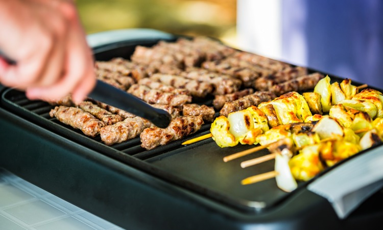How To Clean An Electric Grill: Simple Guide
