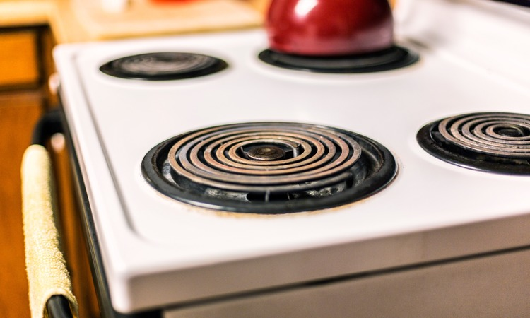 How To Clean An Electric Stove Top Made Of Metal