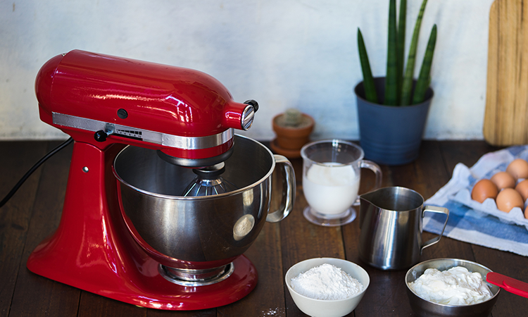 How To Use A Kitchenaid Stand Mixer